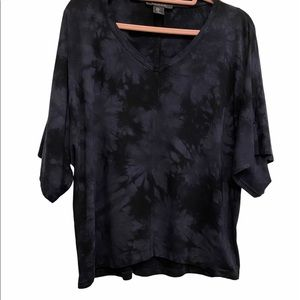 EUC TAHARI Oversized T-Shirt Size Medium